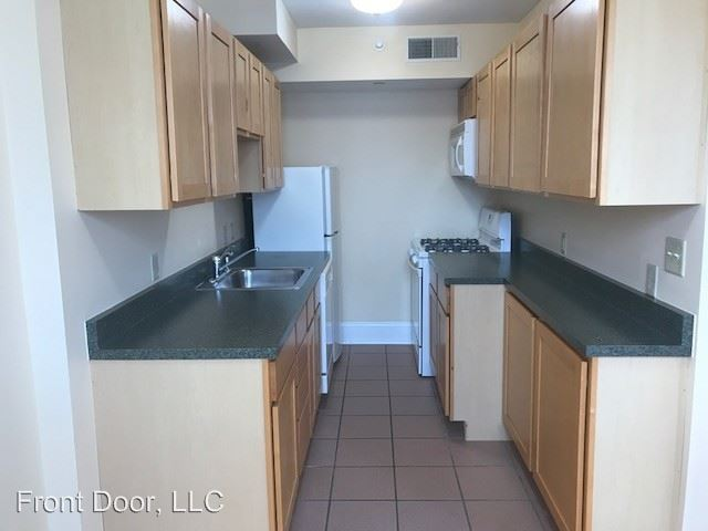 Studio 1 Bathroom Apartment for rent at Carleton in St Louis, MO