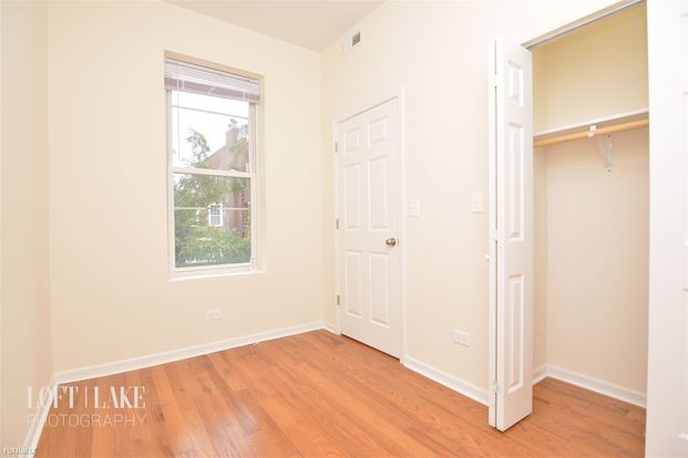 2 Bedrooms 1 Bathroom Apartment for rent at 1521 W Chestnut St in Chicago, IL