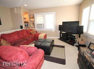 Similar Apartment at 2726 Dibblee Ave