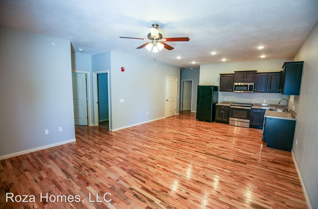 3 Bedrooms 3 Bathrooms Apartment for rent at 1325 E Cherry in Springfield, MO