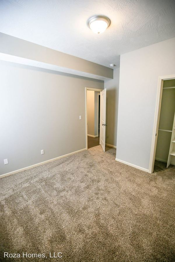 4 Bedrooms 2 Bathrooms Apartment for rent at 1351 E. Cherry in Springfield, MO