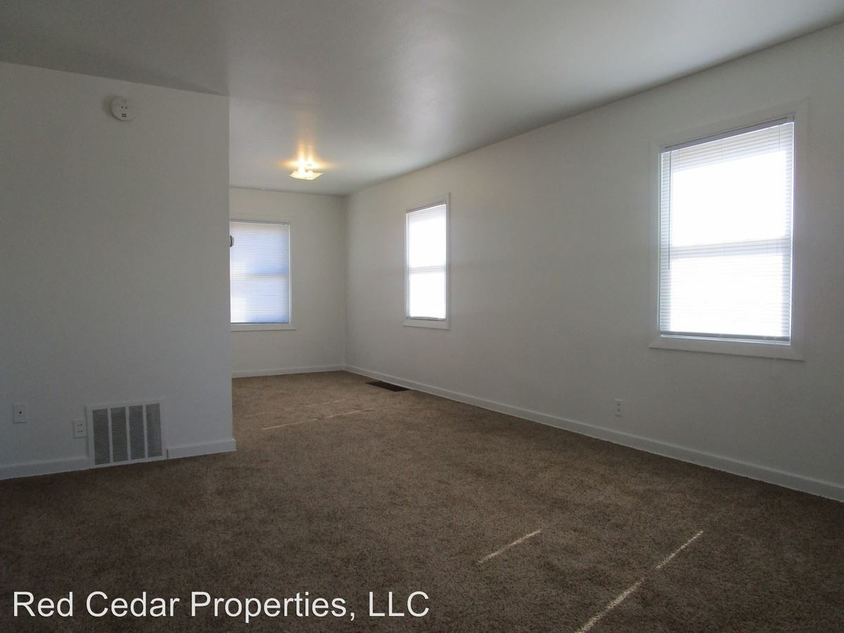 Madison Street Townhouses 211-273 Waterloo, IA Apartment for