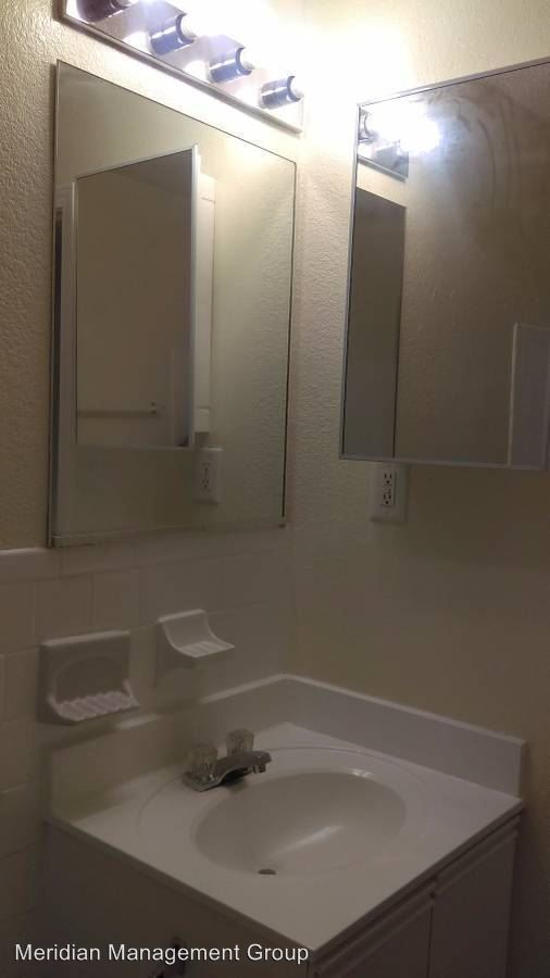 2 Bedrooms 1 Bathroom Apartment for rent at Hidden Cove 1900 Stanton Delowe Connector in East Point, GA