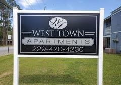 1 Bedroom 1 Bathroom Apartment for rent at 2304 W. Gordon Ave in Albany, GA