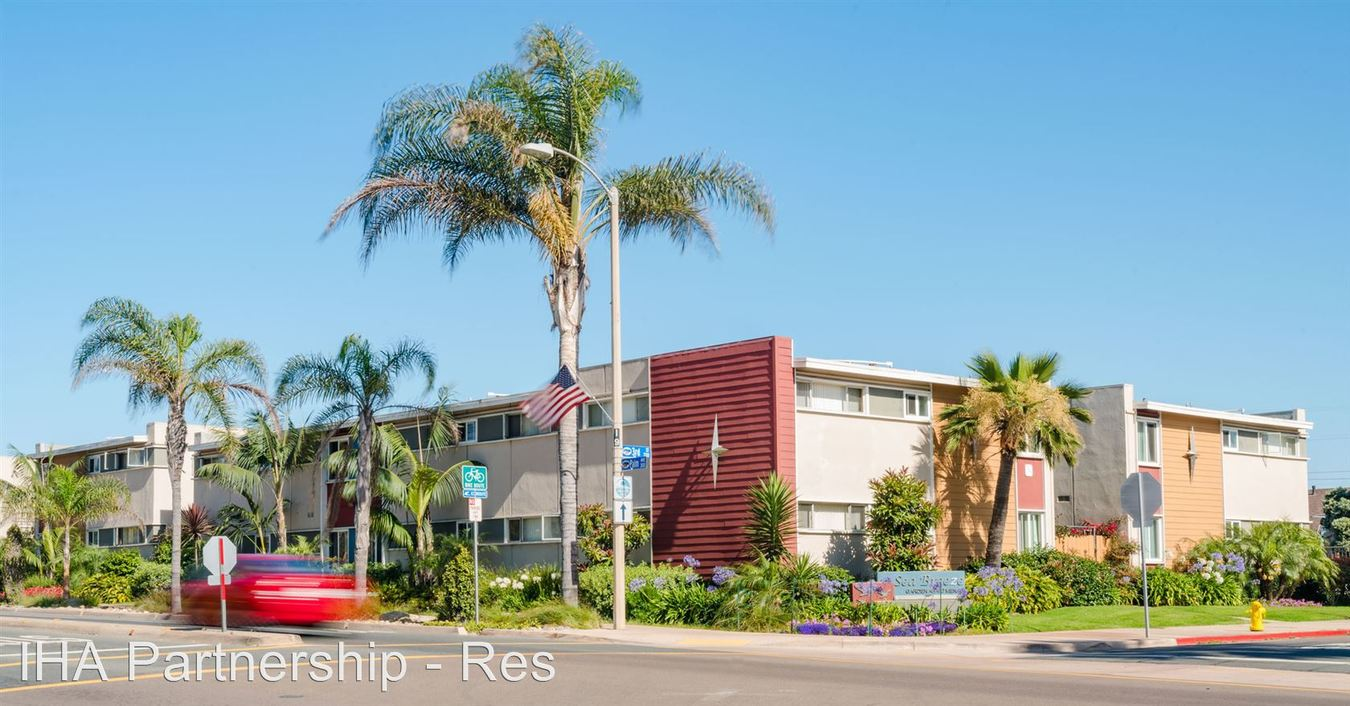 2 Bedrooms 1 Bathroom Apartment for rent at 363 Palm Avenue in Imperial Beach, CA