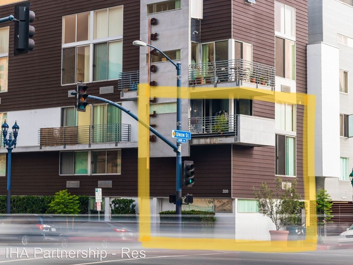 2 Bedrooms 2 Bathrooms Apartment for rent at 320 W. Ash St in San Diego, CA