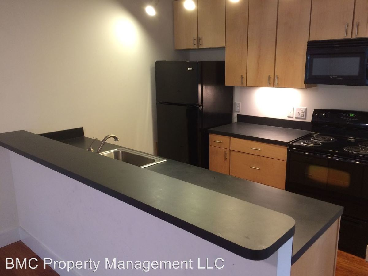 2 Bedrooms 1 Bathroom Apartment for rent at 1707 Jefferson Park Avenue in Charlottesville, VA