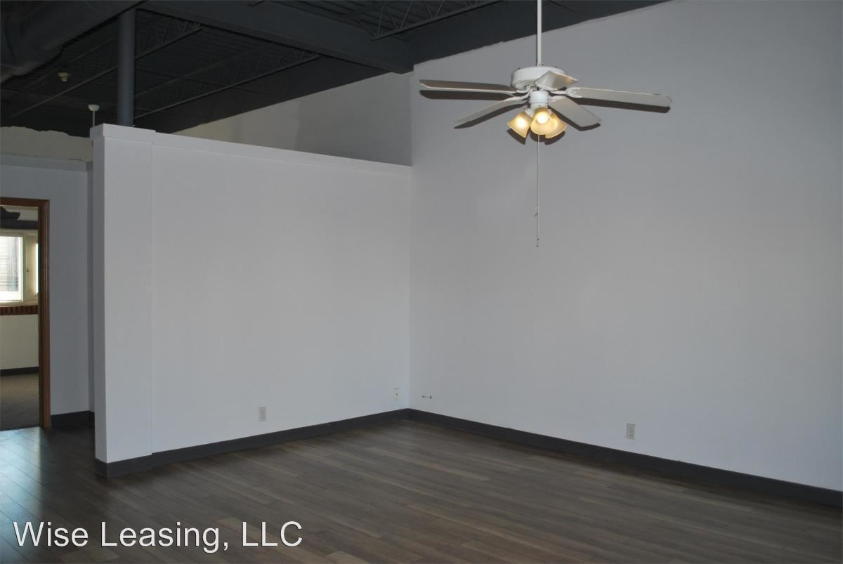 2 Bedrooms 1 Bathroom Apartment for rent at 424 W. Mcdaniel St., Units 1-2, A-h in Springfield, MO