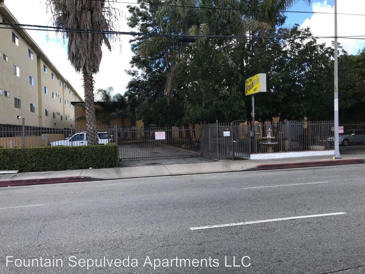 Studio 1 Bathroom Apartment for rent at 7325 Sepulveda Blvd. in Van Nuys, CA