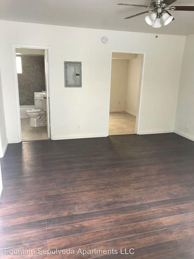 1 Bedroom 1 Bathroom Apartment for rent at 7325 Sepulveda Blvd. in Van Nuys, CA
