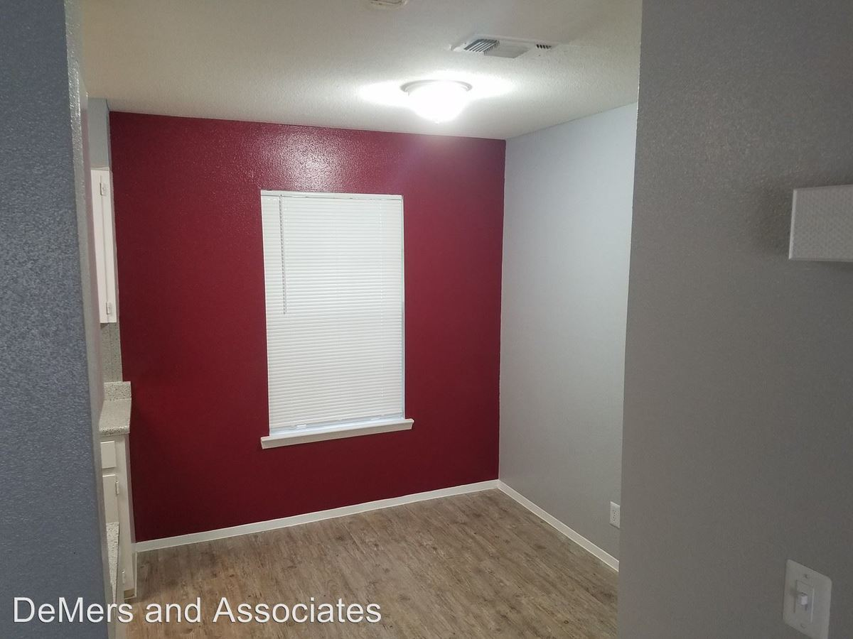 1 Bedroom 1 Bathroom Apartment for rent at 235 E Mulberry Ave in San Antonio, TX