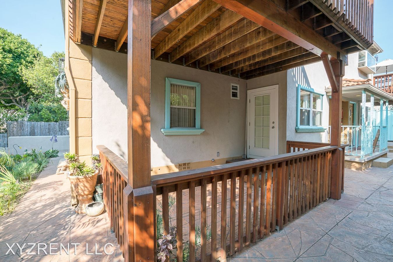 2 Bedrooms 2 Bathrooms Apartment for rent at 1024 Maple St. in Santa Monica, CA