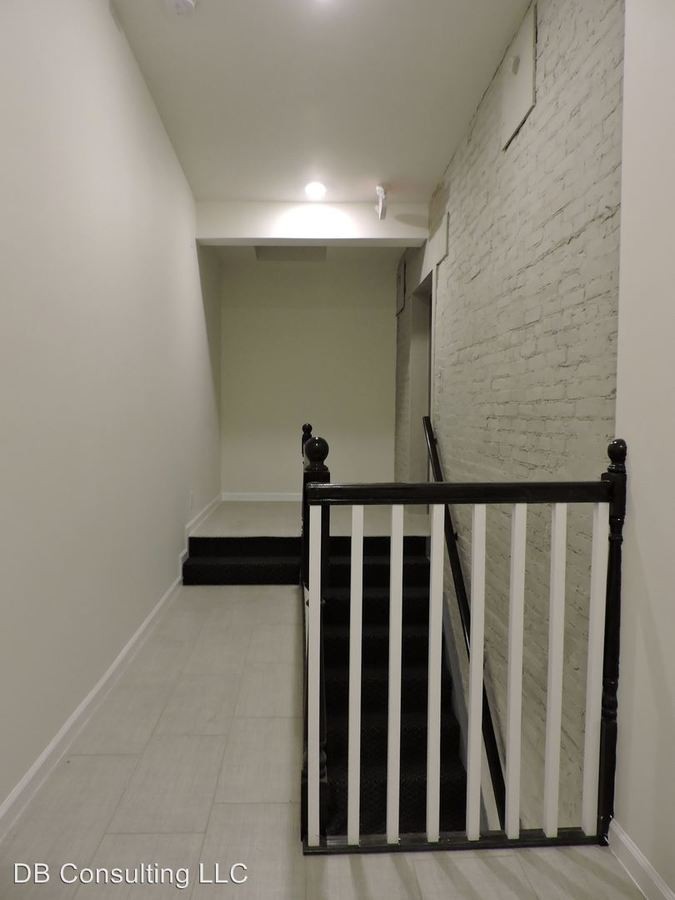 1 Bedroom 1 Bathroom Apartment for rent at 309 Sycamore St in Cincinnati, OH