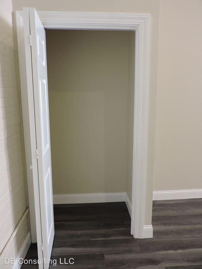 1 Bedroom 1 Bathroom Apartment for rent at 814 Main St. in Cincinnati, OH