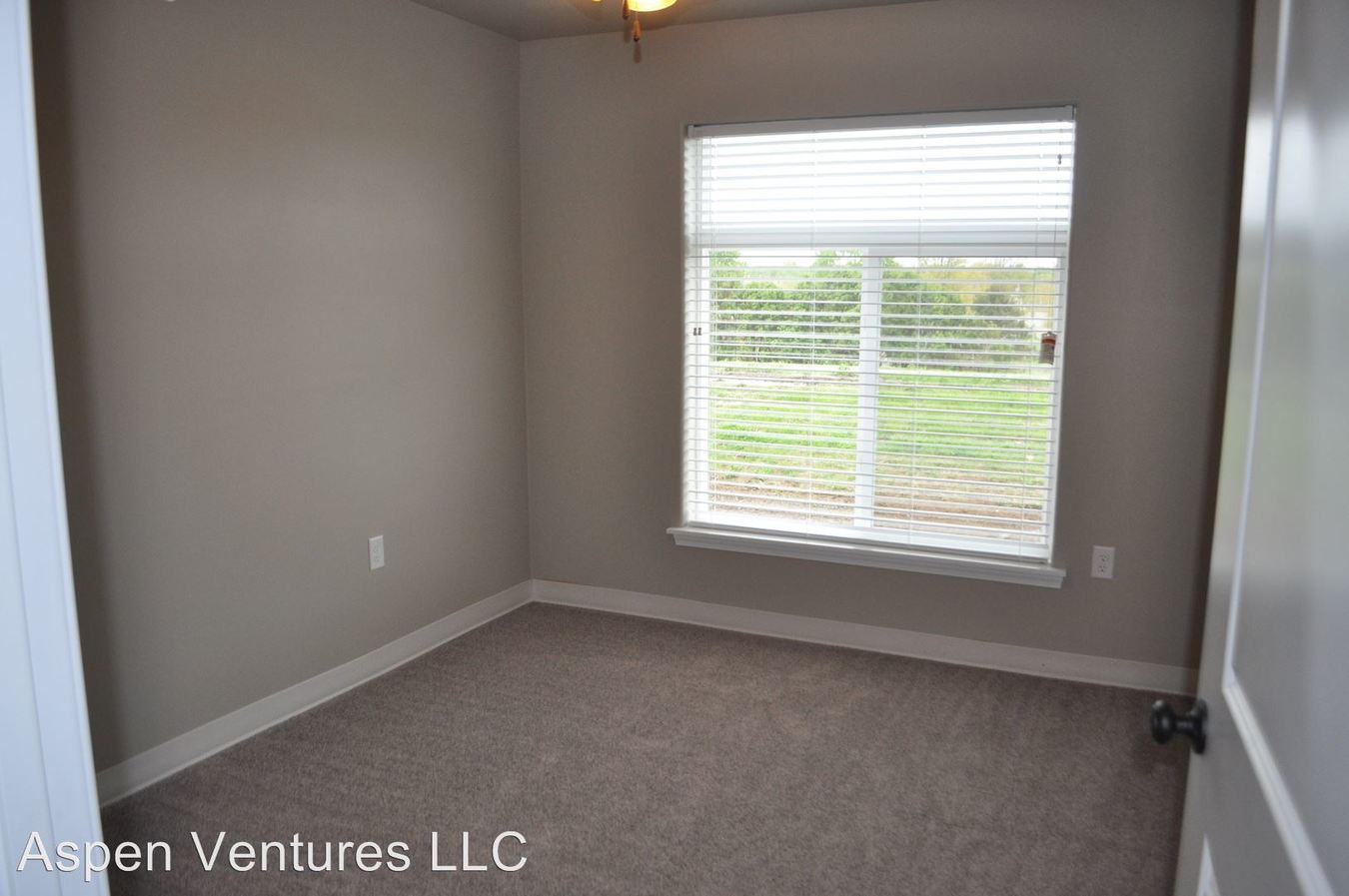 Studio 1 Bathroom Apartment for rent at 591 State Street in Tiffin, IA