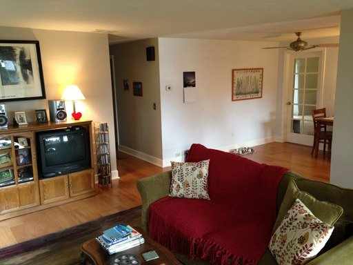 3 Bedrooms 2 Bathrooms Apartment for rent at 2641 SW Hume Ct in Portland, OR