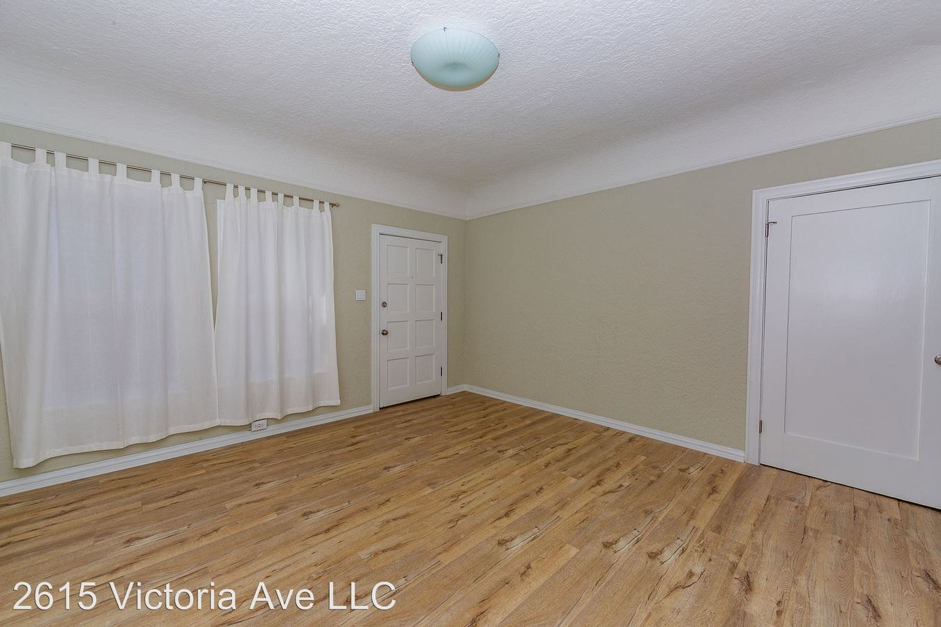 1 Bedroom 1 Bathroom Apartment for rent at 2615 S. Victoria Ave in Los Angeles, CA