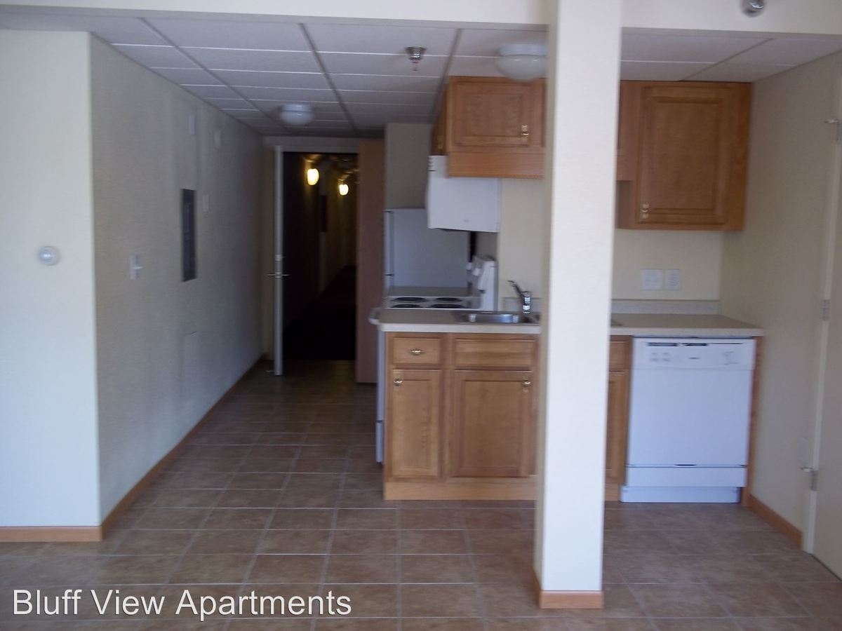 2 Bedrooms 1 Bathroom Apartment for rent at 3715/3717 Mormon Coulee Road in La Crosse, WI