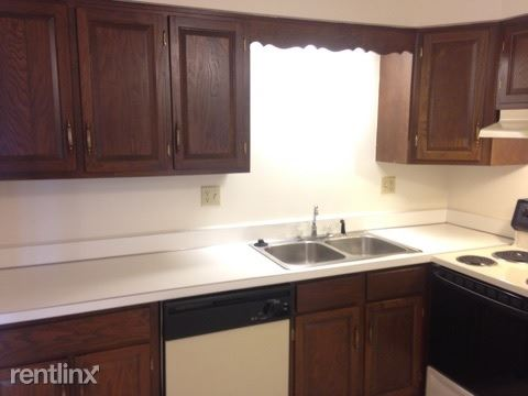 2 Bedrooms 1 Bathroom Apartment for rent at Kimberly Square Apartments in Lansing, MI