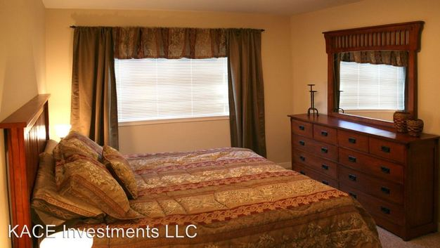 2 Bedrooms 2 Bathrooms Apartment for rent at 1101 Ave D in Snohomish, WA