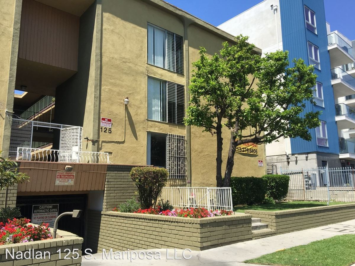 1 Bedroom 1 Bathroom Apartment for rent at 125 S. Mariposa Ave. in Los Angeles, CA