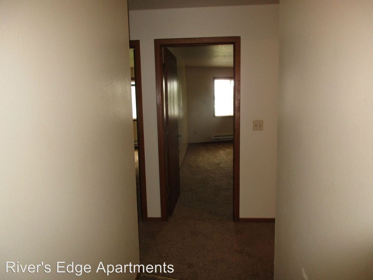 2 Bedrooms 2 Bathrooms Apartment for rent at 401 Gillette Street in La Crosse, WI
