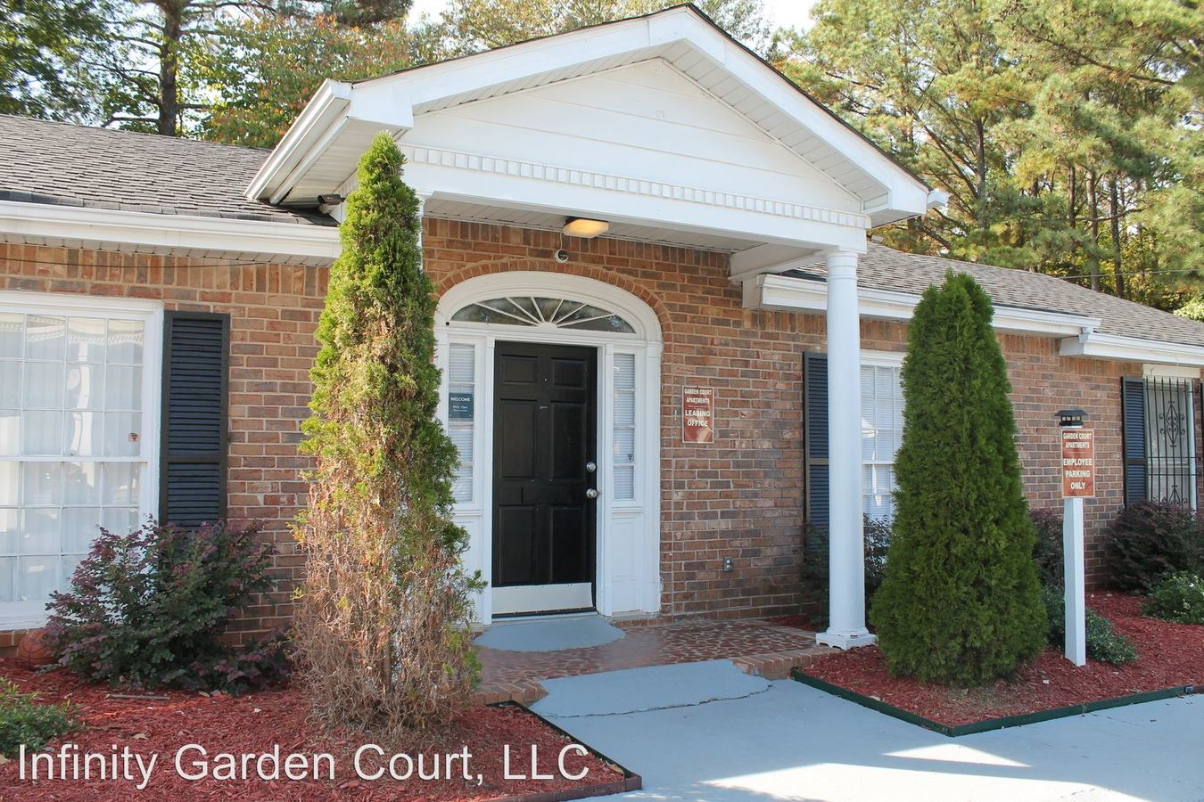 3 Bedrooms 1 Bathroom Apartment for rent at 4060 Janice Drive in East Point, GA