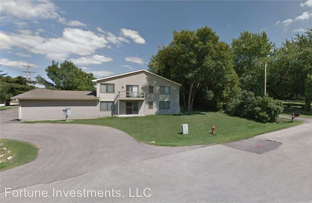 2 Bedrooms 1 Bathroom Apartment for rent at 4705 4711 Siggelkow Rd in Mcfarland, WI