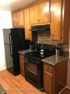 2 Bedrooms 1 Bathroom Apartment for rent at 2420-2444 E. 5th St. 01-12,14-15 in Long Beach, CA