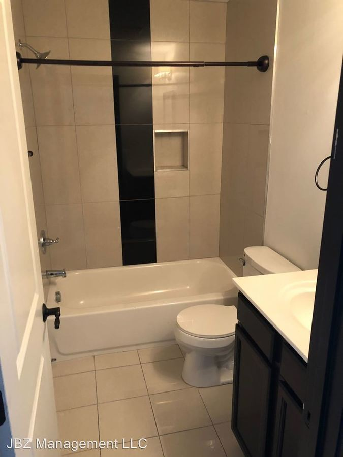 Studio 1 Bathroom Apartment for rent at 16 E Biddle St in Baltimore, MD