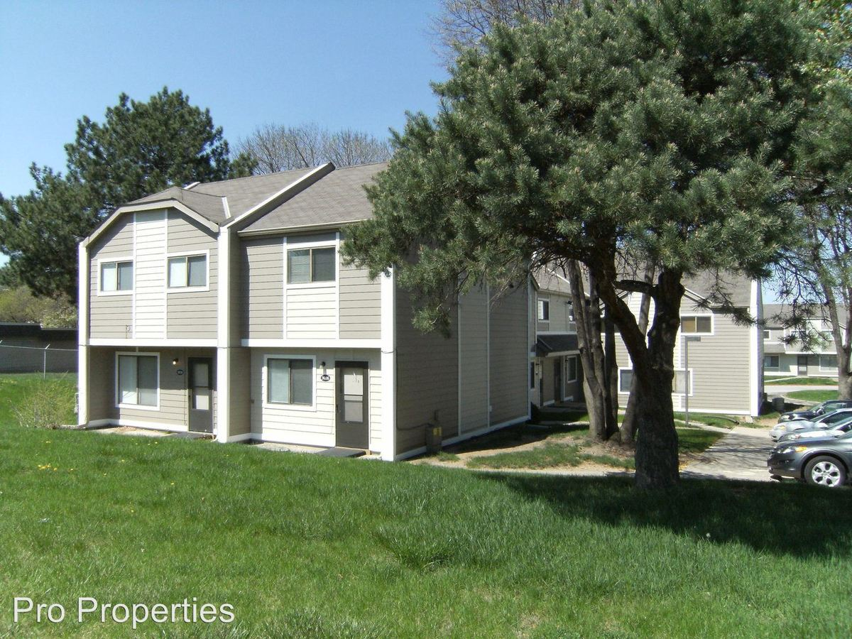 3 Bedrooms 1 Bathroom Apartment for rent at 3004-3038 S 68 Ct in Omaha, NE
