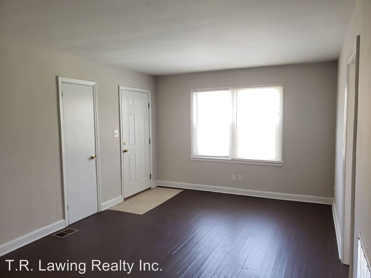 2 Bedrooms 1 Bathroom Apartment for rent at Anderson Street 903, 905, 907, 909, 911, 913 in Charlotte, NC