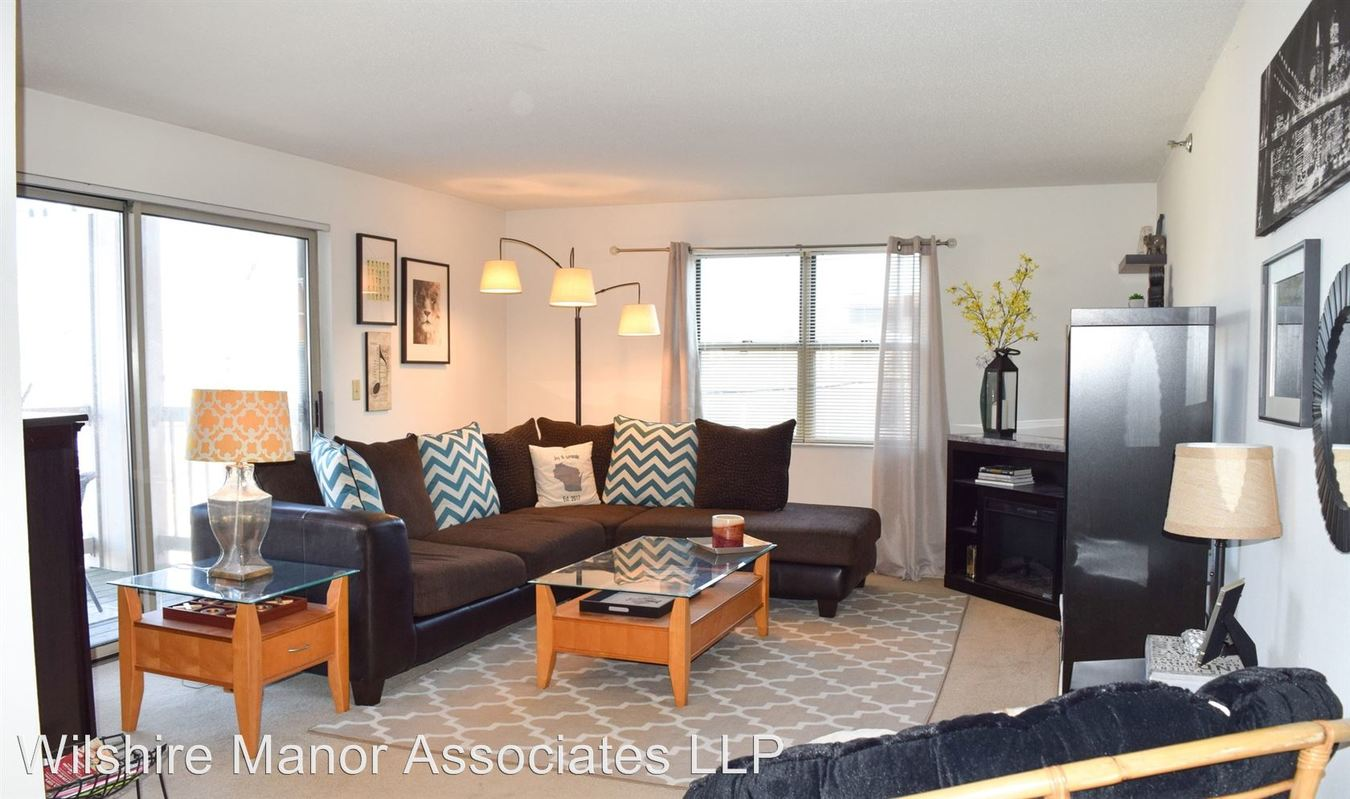 2 Bedrooms 2 Bathrooms Apartment for rent at Wilshire Manor Aparments in Wauwatosa, WI