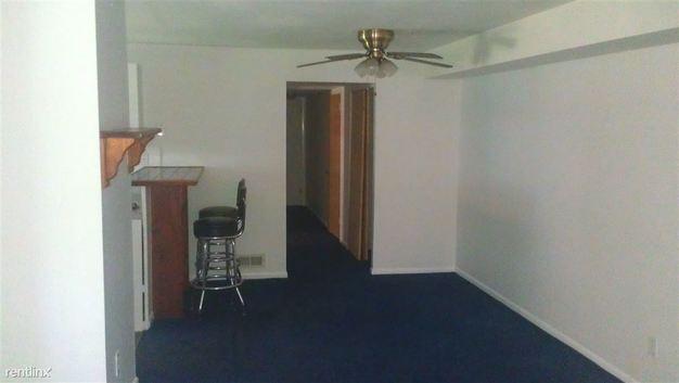 2 Bedrooms 1 Bathroom Apartment for rent at 2141 Benson St Fl 1 in Philadelphia, PA