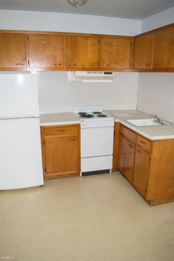 1 Bedroom 1 Bathroom Apartment for rent at 2010 Arlington Ave in Toledo, OH