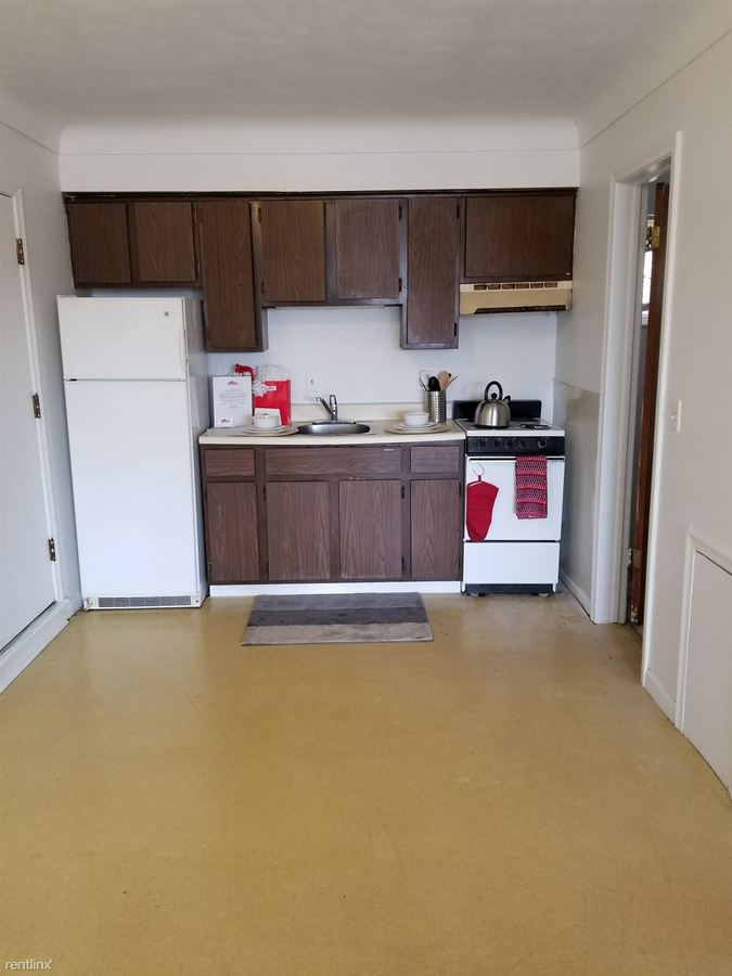 Studio 1 Bathroom Apartment for rent at 2565 W Bancroft St in Toledo, OH