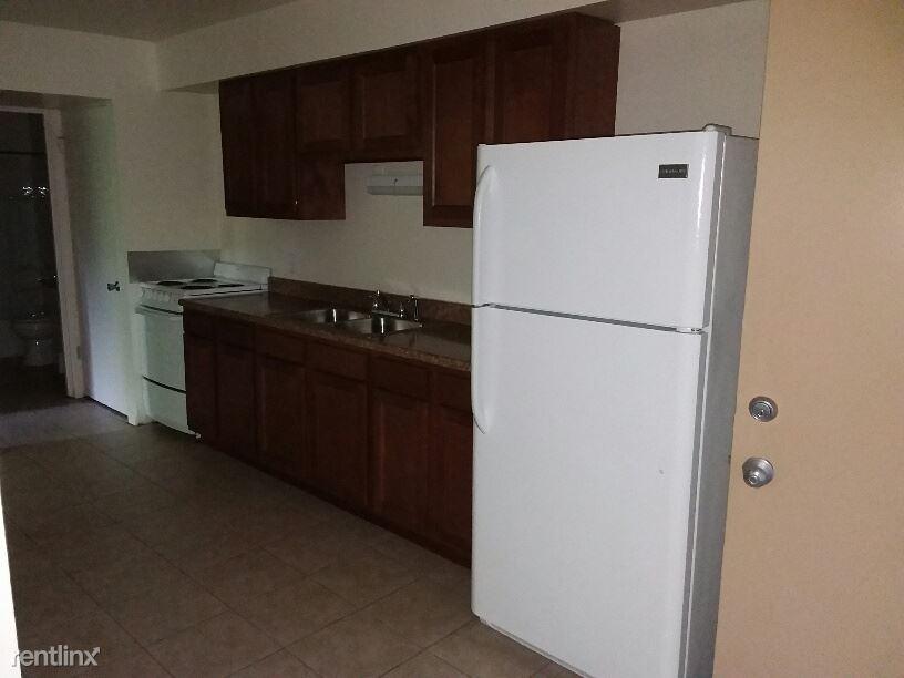 Studio 1 Bathroom Apartment for rent at 4760 Dorr St in Toledo, OH