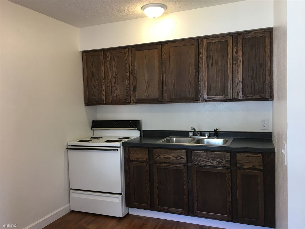 2 Bedrooms 1 Bathroom Apartment for rent at 3917 Airport Hwy in Toledo, OH