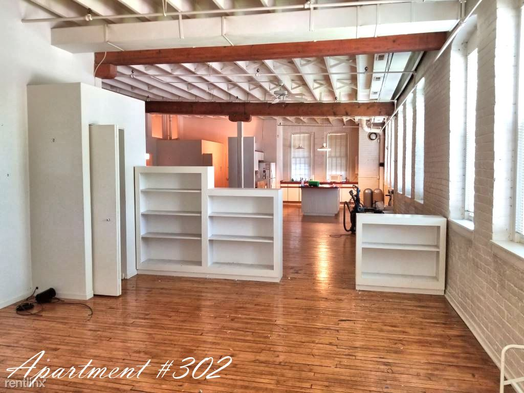 2 Bedrooms 1 Bathroom Apartment for rent at 33 S Michigan St in Toledo, OH