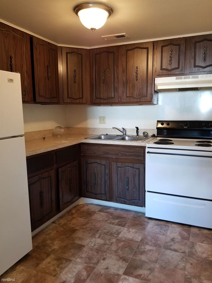 1 Bedroom 1 Bathroom Apartment for rent at 2711 W Central Ave in Toledo, OH