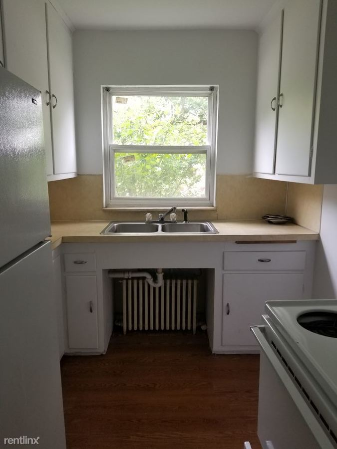 1 Bedroom 1 Bathroom Apartment for rent at 2435 W Bancroft St in Toledo, OH