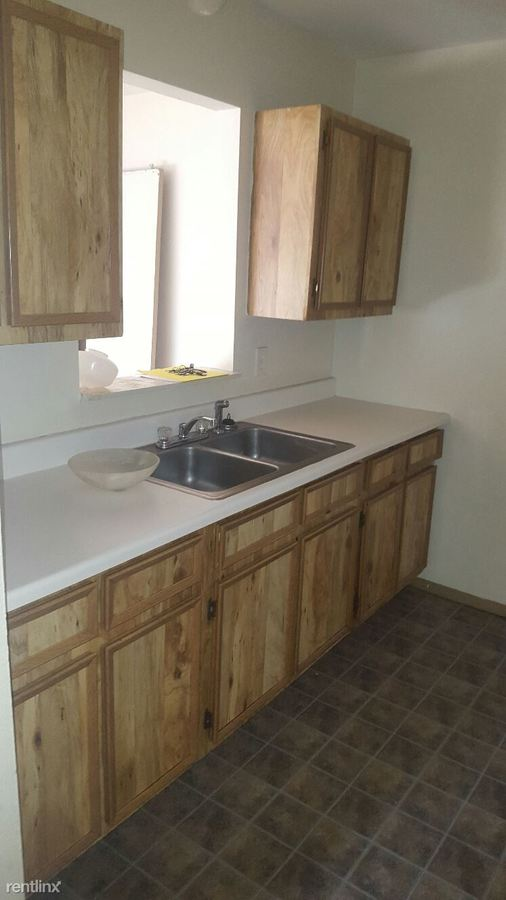 2 Bedrooms 1 Bathroom Apartment for rent at 5739 Dorr St in Toledo, OH