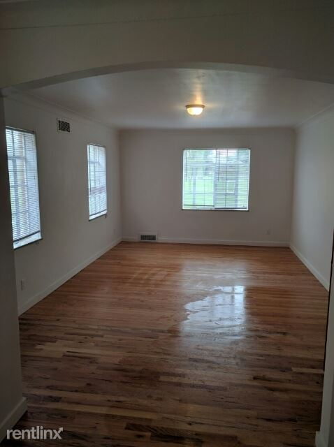 1 Bedroom 1 Bathroom Apartment for rent at Ottawa Park in Toledo, OH
