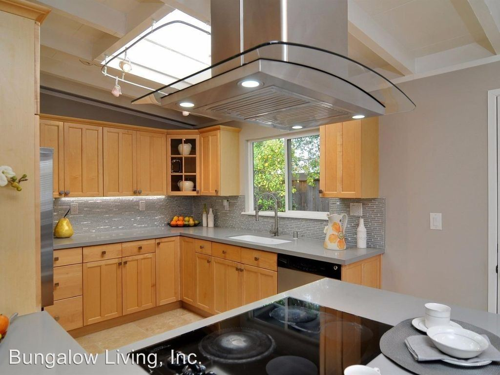 Studio 1 Bathroom Apartment for rent at 710 Telford Ave in Mountain View, CA