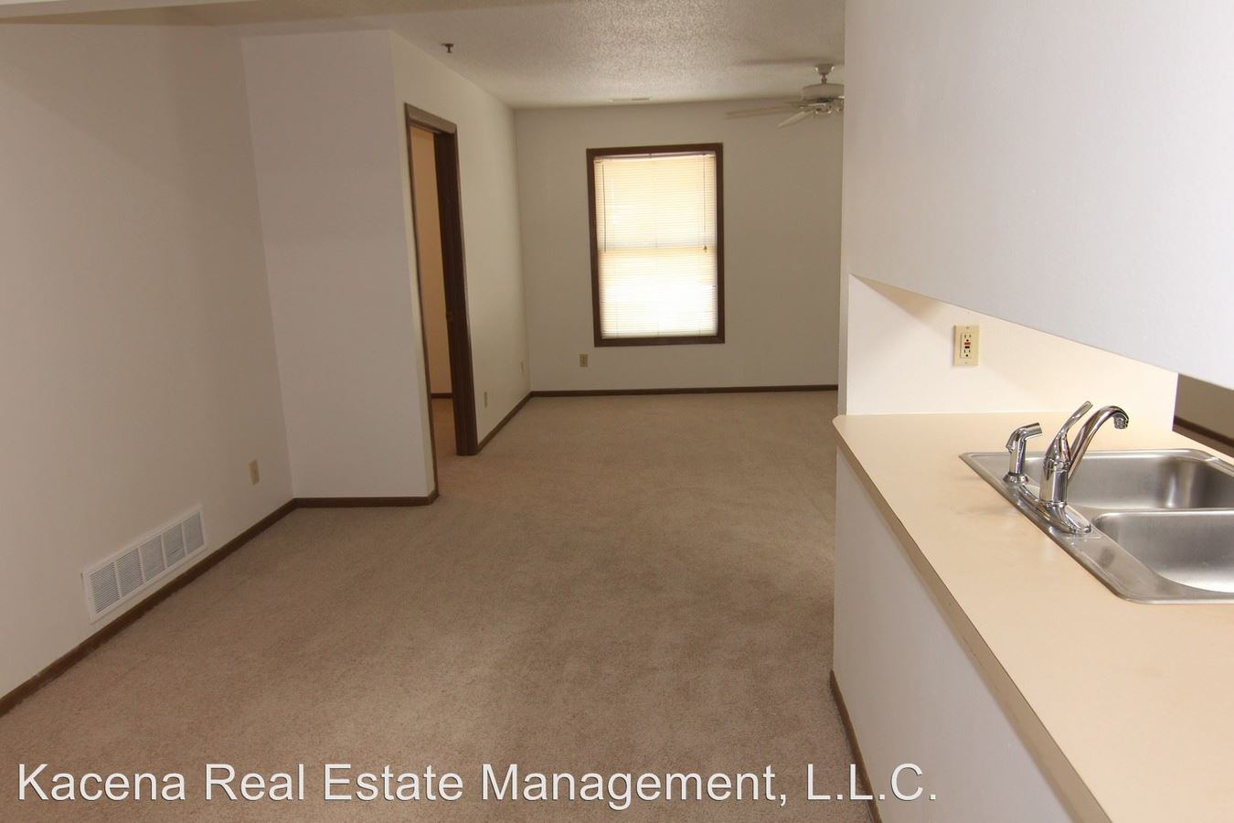 3 Bedrooms 1 Bathroom Apartment for rent at 400 1st Ave in Coralville, IA