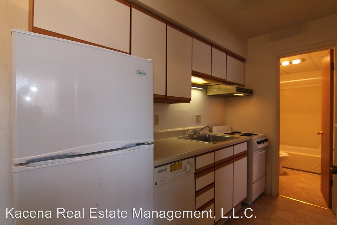 1 Bedroom 1 Bathroom Apartment for rent at 914 20th Ave Pl in Coralville, IA