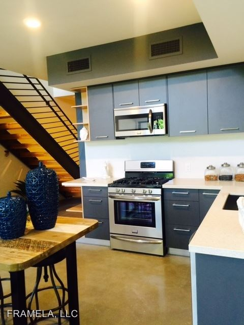 1 Bedroom 2 Bathrooms Apartment for rent at 12636 Matteson Avenue in Los Angeles, CA