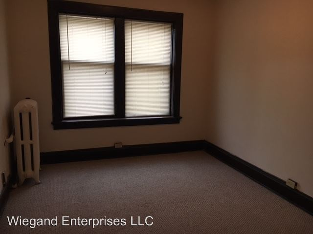 1 Bedroom 1 Bathroom Apartment for rent at 2324 West Wisconsin in Milwaukee, WI
