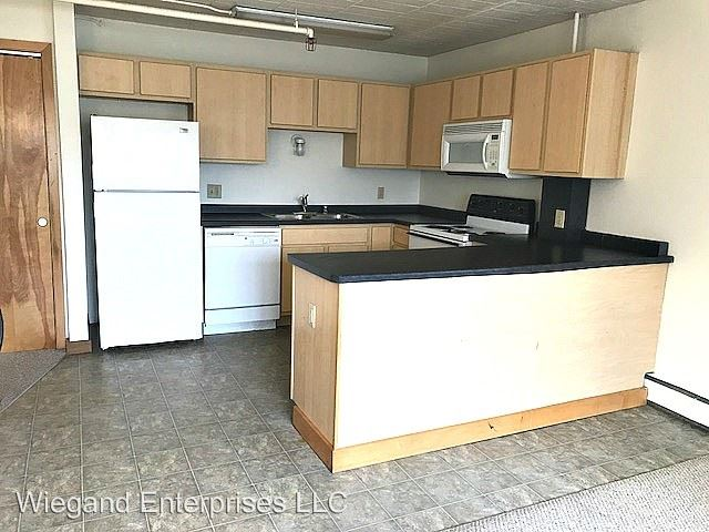 1 Bedroom 1 Bathroom Apartment for rent at 2125 West Kilbourn in Milwaukee, WI