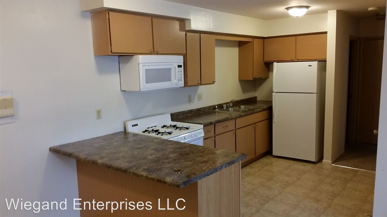 2 Bedrooms 1 Bathroom Apartment for rent at 825 North 22nd in Milwaukee, WI